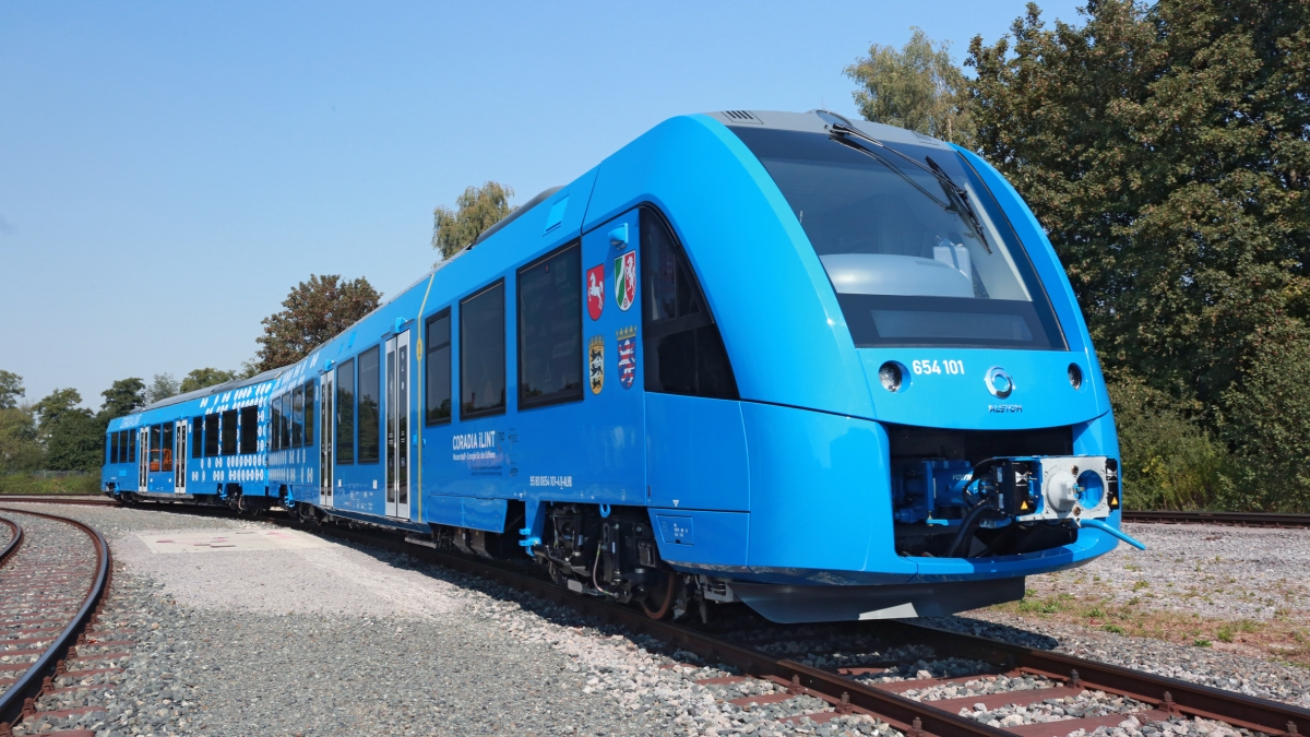 Germany unveils zero-emissions train that only emitssteam.