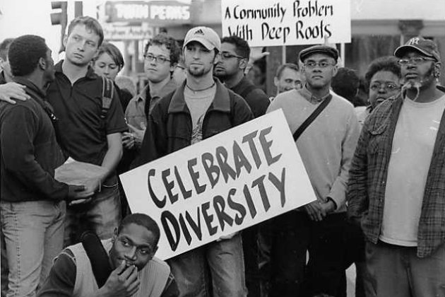 Survey finds racism is endemic among gaymen.